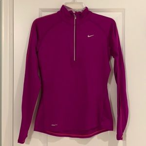 Nike Dry Fit 1/4 Pull Over Fuchsia Size Small